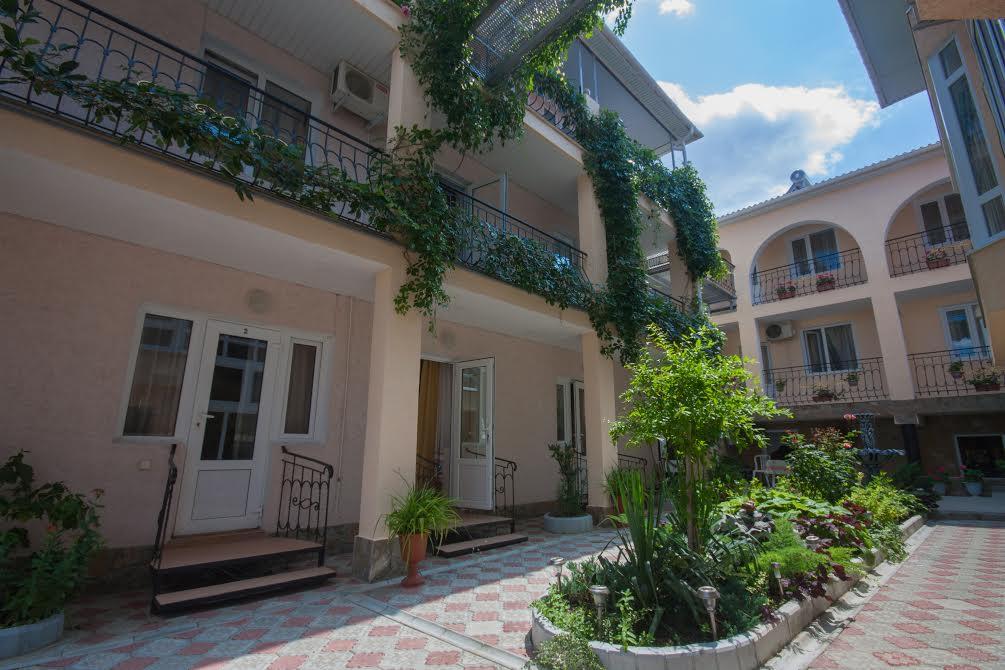 Мини отели Судака официальный сайт - De Albina Hotel